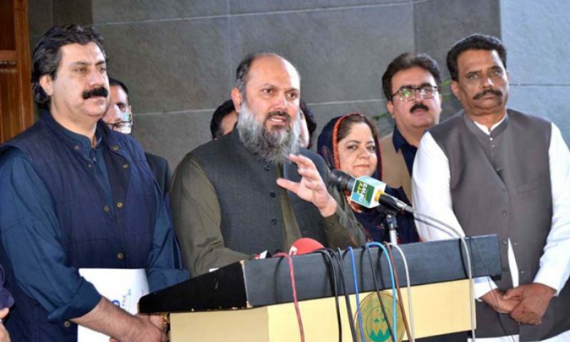 Balochistan Chief Minister Jam Kamal Khan Alyani address a press conference in Quetta in this file photo. — APP