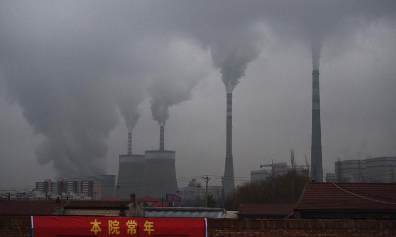 چین پر بین الاقوامی دباؤ ہے کہ وہ بیرون ممالک کوئلے کی سرمایہ کو ختم کرنے کا اعلان کرے — فائل فوٹو: اے ایف پی