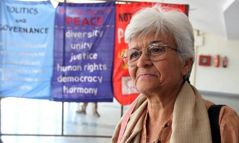 پاکستان، بھارت میں یکساں طور پر خواتین کے حقوق کی علمبردار کملا بھاسن انتقال کر گئیں