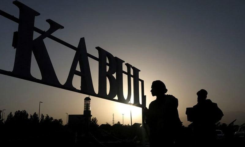 کابل ایئرپورٹ پر طالبان کے سیکیورٹی اہلکار تعینات ہیں---فوٹو: رائٹرز