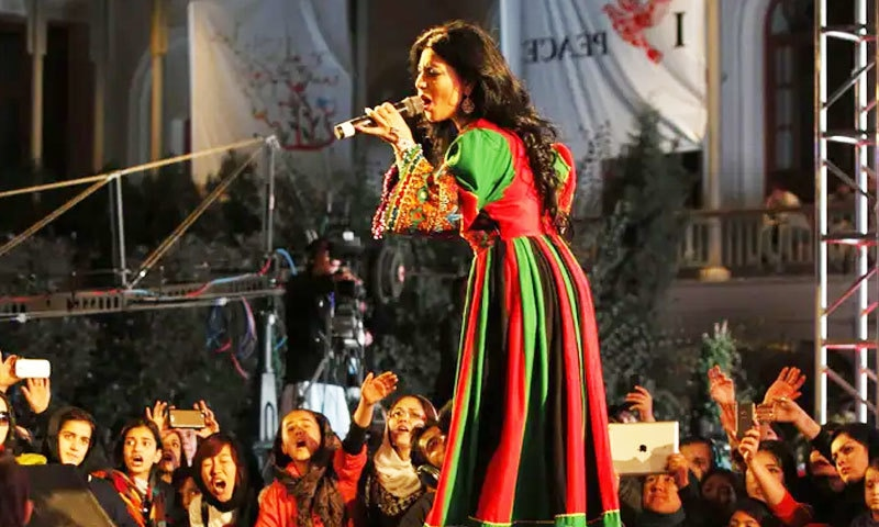 طالبان کے کنٹرول کے بعد افغان گلوکار و اداکار سبزیاں و پھل بیچنے پر مجبور
