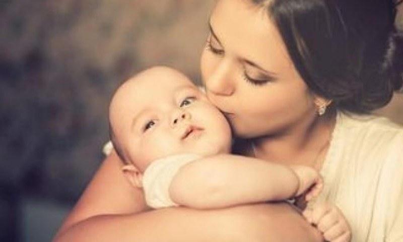 ماں کے دودھ سے کووڈ 19 سے بچانے والی اینٹی باڈیز بچوں میں منتقل ہوتی ہیں، تحقیق