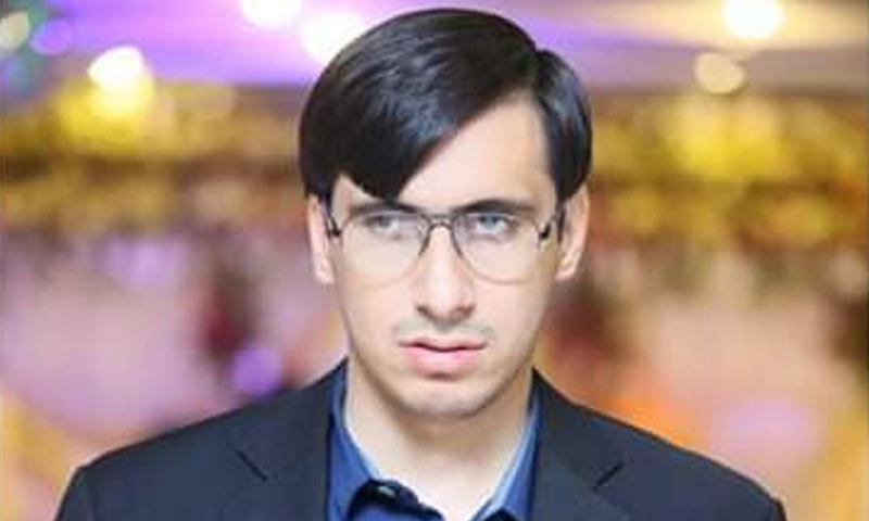 صائمہ سلیم کے بھائی یوسف سلیم پاکستان کے پہلے قوتِ بینائی سے محروم جج ہیں