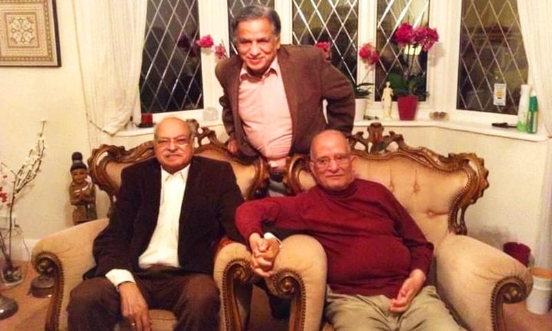 لکھاری واجد شمس الحسن اور بیرسٹر صبغت قادری کے ہمراہ