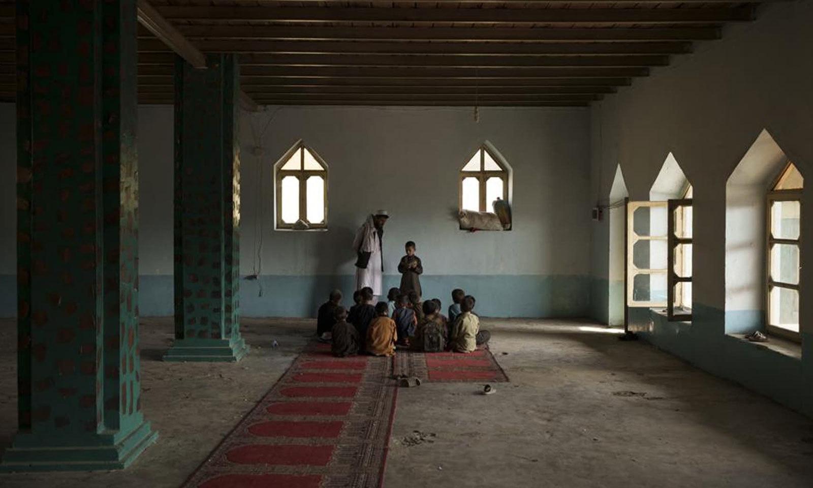 طالبان کے افغانستان پر قبضے کو ڈیڑھ ماہ کا عرصہ گزر چکا ہے—فوٹو: اے پی