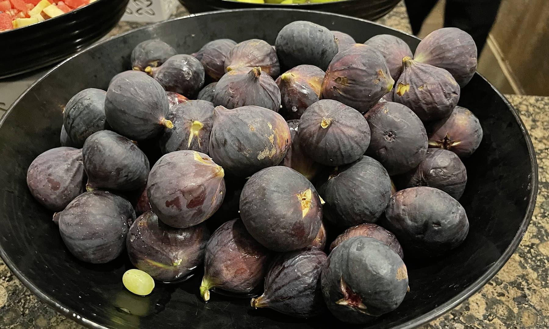 انجیر کا سیاہی مائل پھل (2021ء)