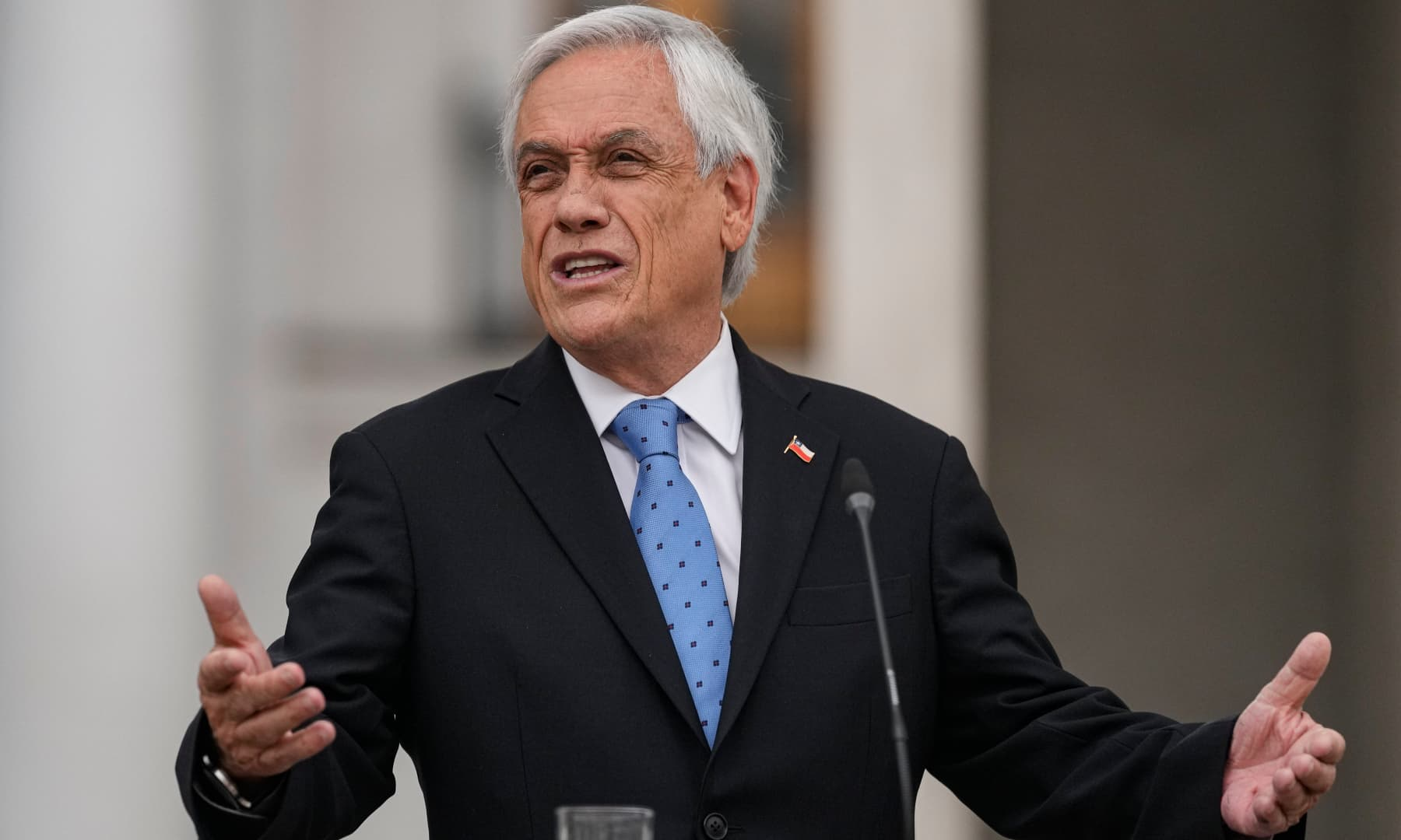 Chilean President Sebastian Piñera addresses a press conference at La Moneda presidential palace in Santiago, Chile on October 4, 2021. — AP