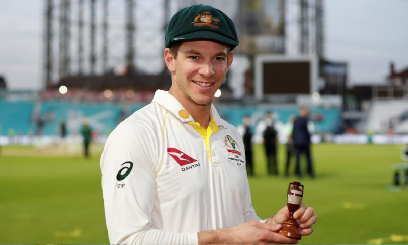 Australia's Tim Paine celebrates with the Ashes urn after drawing the series to retain the Ashes. — Reuters/File