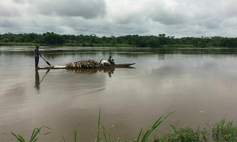 دریائے کانگو میں کشتی الٹنے کے نتیجے میں 70 افراد لاپتا بھی ہوئے— فائل فوٹو: اے ایف پی