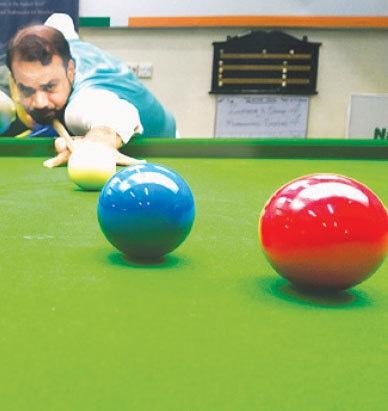 KARACHI: Mohammad Sajjad in action during his sensational break of 147 against Zulfiqar A. Qadir on Saturday.