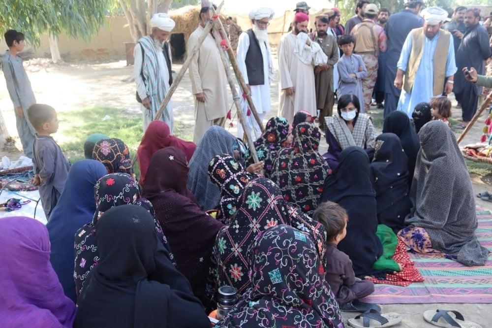 Special Assistant to Prime Minister (SAPM) on Poverty Alleviation Senator Sania Nishtar meets families in Harnai on October 9. — Photo courtesy: PID