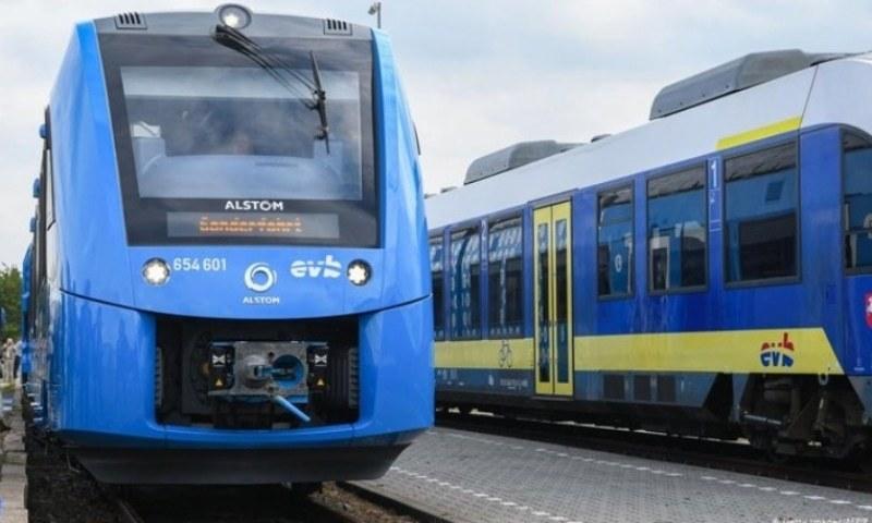 ہیمبرگ ٹرین دیگر باقاعدہ ٹرینوں کے ساتھ ٹریک استعمال کرے گی—فائل فوٹو: اے ایف پی