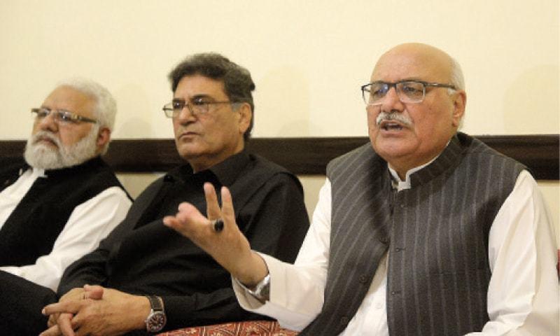 ANP central general secretary Mian Iftikhar Hussain addresses a press conference in Peshawar. — White Star/File