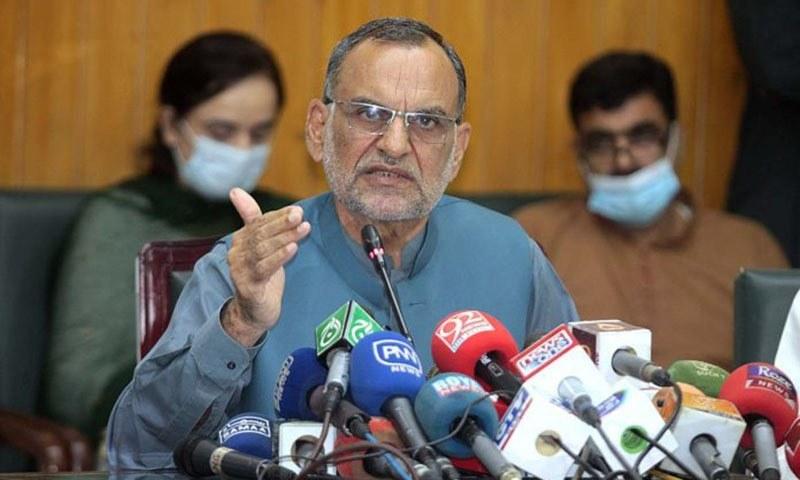 اعظم سواتی نے الیکشن کمیشن پر رشوت لینے، دھاندلی کا الزام لگاتے ہوئے کہا تھا کہ ایسے اداروں کو آگ لگا دی جانی چاہیے۔  - فائل فوٹو:اے پی پی