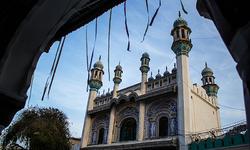 Sakhi Sarwar: The shrine on the mountain