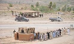Thousands stranded on Bannu road