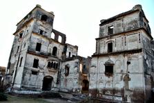 The crumbling glory of Sheikhupura Fort