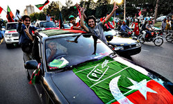 PTI asks workers to use social media to sustain sit-in