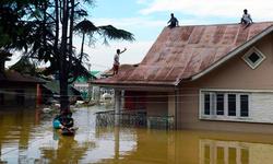 سری نگر: سیلاب میں پھنسی پاکستانی گالف ٹیم کو انڈین فوج نے بچالیا