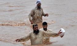 سیلاب زدہ علاقوں میں بھی سیاسی جنگ شروع