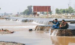 دریائے چناب کی مختلف علاقوں کی جانب پیشقدمی جاری