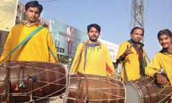 Peshawar becomes big business  for Punjabi drummers