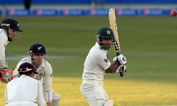 Comment: Pakistan on the back foot in decisive Test