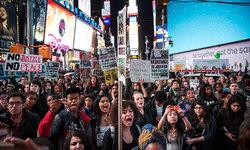 Protesters shut down New York's Brooklyn Bridge