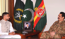 Boxer Amir Khan visits Army Public School, says 'terrorism must stop'