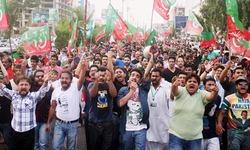 PTI grabs Karachi street power in 2014
