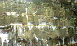 Handicraft business survives despite slump in market