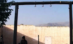 Two more convicts hanged in Lahore and Karachi