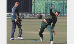 Younis rubbishes retirement rumours, eager to bat at No. 3