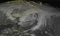 Snowstorm paralyses parts of US, but New York gets off lightly