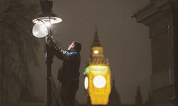 Lamplighters keep London's history burning