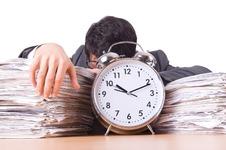 دس عادات جو بنا دیں وقت کو آپ کا غلام