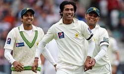 Amir bags three on return