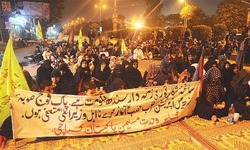 Protesters end sit-in after govt accepts demands