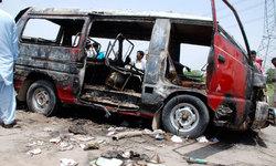 10 killed in Karachi van as gas kit explodes