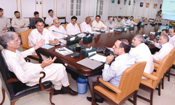 KP seeks early payment of Rs300bn hydro profits