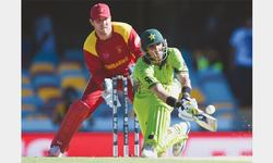 Misbah tells batsmen to shape up or ship out