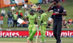 Pakistan pummel UAE to boost quarter-final prospects