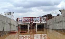 Water blocks metro bus test  run in Islamabad