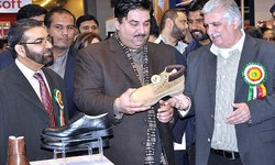 Trade with India unhurt despite strains: Dastagir