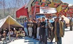 Truckers go on hunger strike in Upper Dir