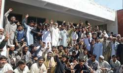 Power protesters besiege grid station in Peshawar