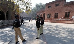 LHC orders cantonment polls on party basis