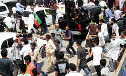 Imran leads PTI rally in MQM stronghold