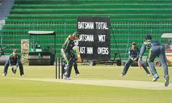 Players failing to improve attitude have no future in team: Waqar