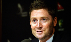 Clarke sees Pietersen returning for Ashes